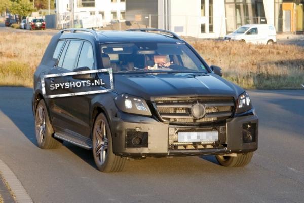 New Mercedes-Benz GL testing 1