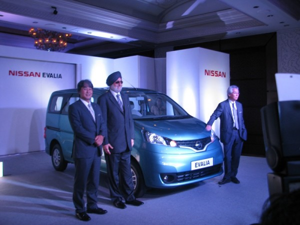 nissan evalia launched at rs lakhs. Black Bedroom Furniture Sets. Home Design Ideas