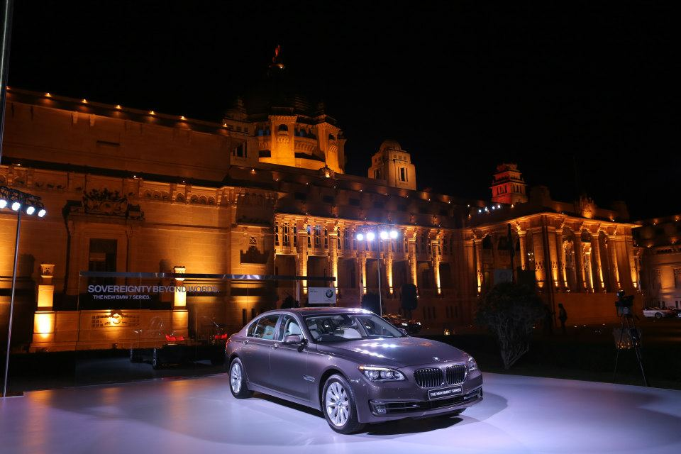 BMW-7-series-facelift-jodhpur-preview-front-quarter