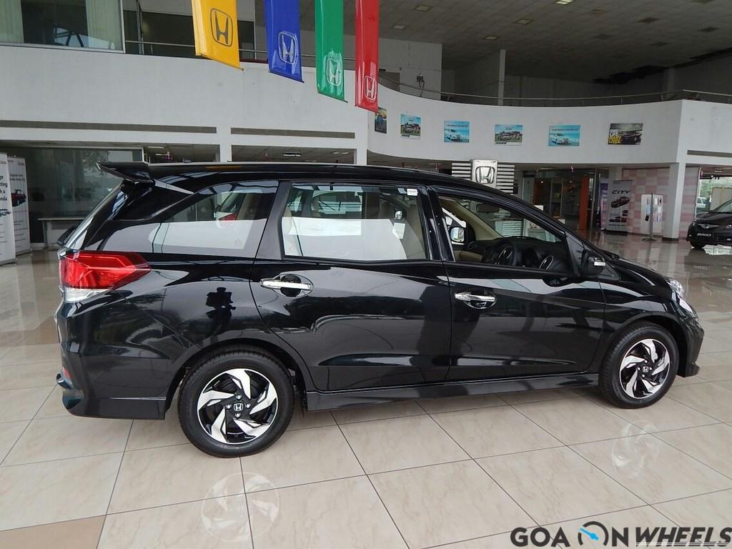 Kekurangan Honda Mobilio Rs Spesifikasi