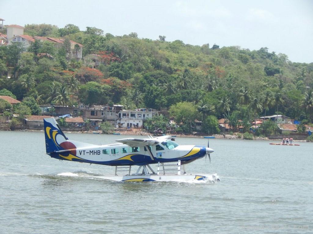 Amphibian Seaplane Goa (12)