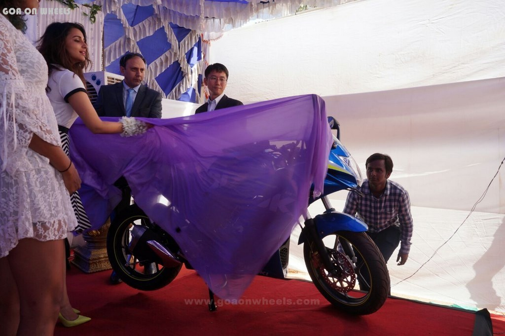 Veljee Suzuki dealership opening (8)