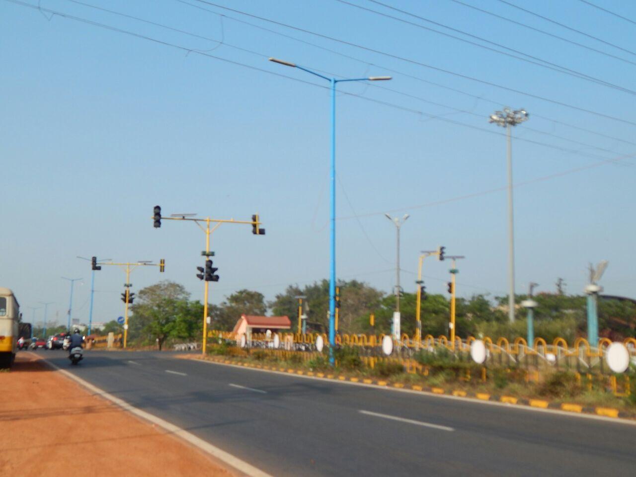 traffic-signals-at-verna-1