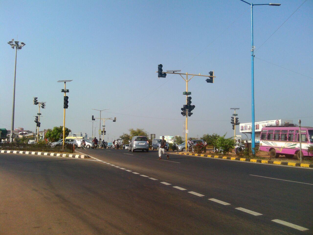 traffic-signals-at-verna-2